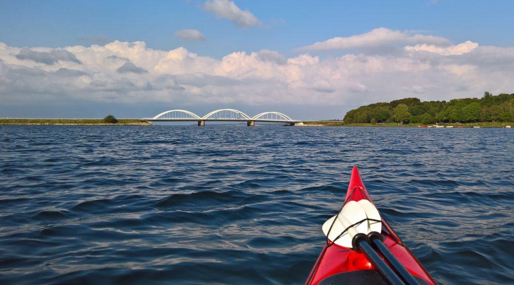 Sol og lunt fjordvand